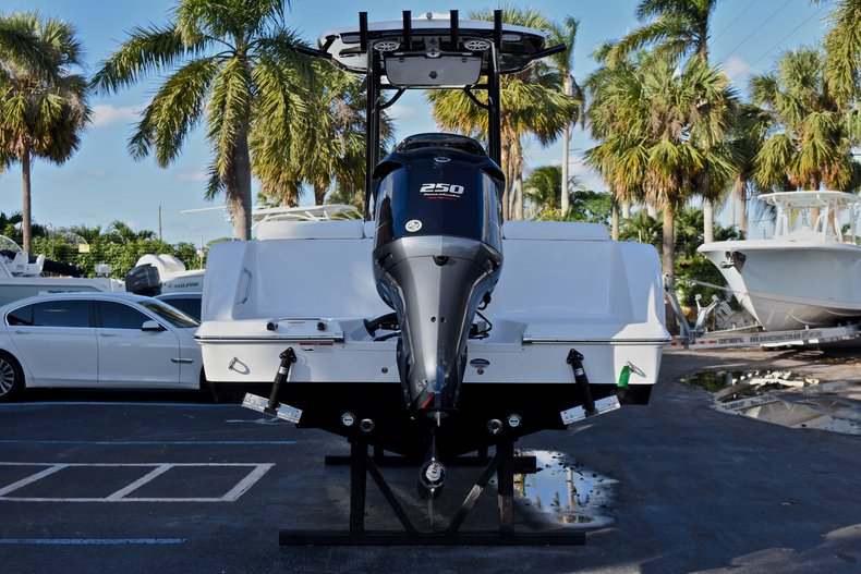 Thumbnail 6 for New 2018 Sportsman Heritage 231 Center Console boat for sale in West Palm Beach, FL