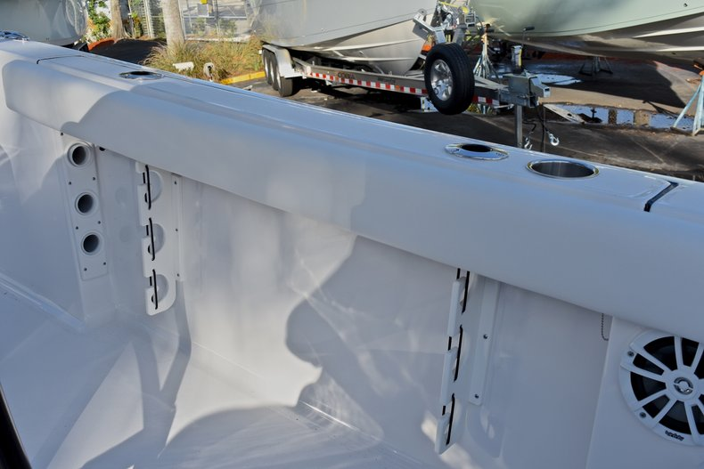 Thumbnail 17 for New 2018 Sportsman Heritage 231 Center Console boat for sale in West Palm Beach, FL