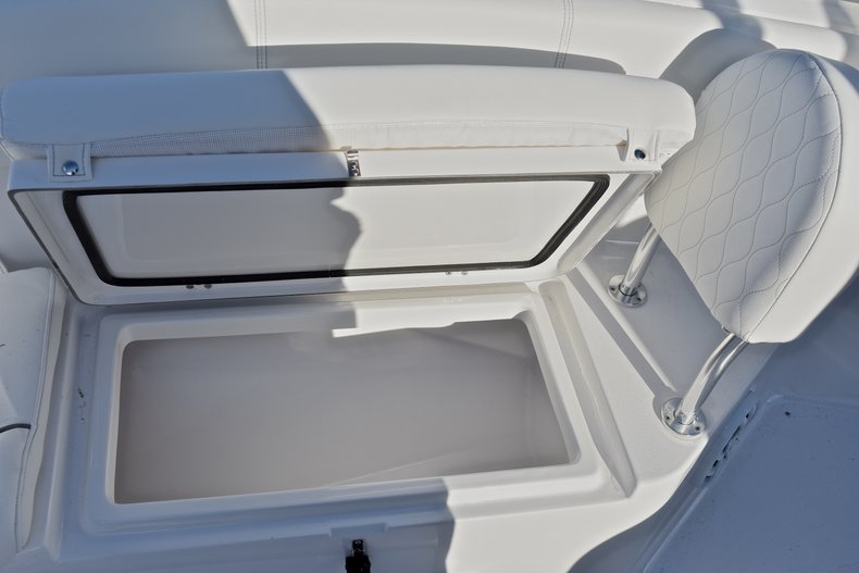 Thumbnail 43 for New 2018 Sportsman Heritage 231 Center Console boat for sale in West Palm Beach, FL