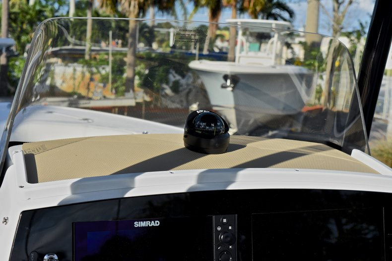 Thumbnail 26 for New 2018 Sportsman Heritage 231 Center Console boat for sale in West Palm Beach, FL