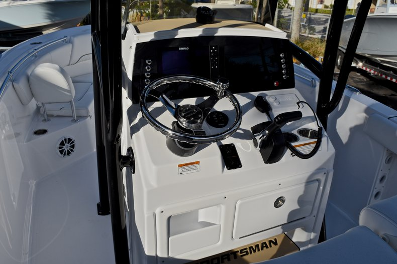 Thumbnail 25 for New 2018 Sportsman Heritage 231 Center Console boat for sale in West Palm Beach, FL