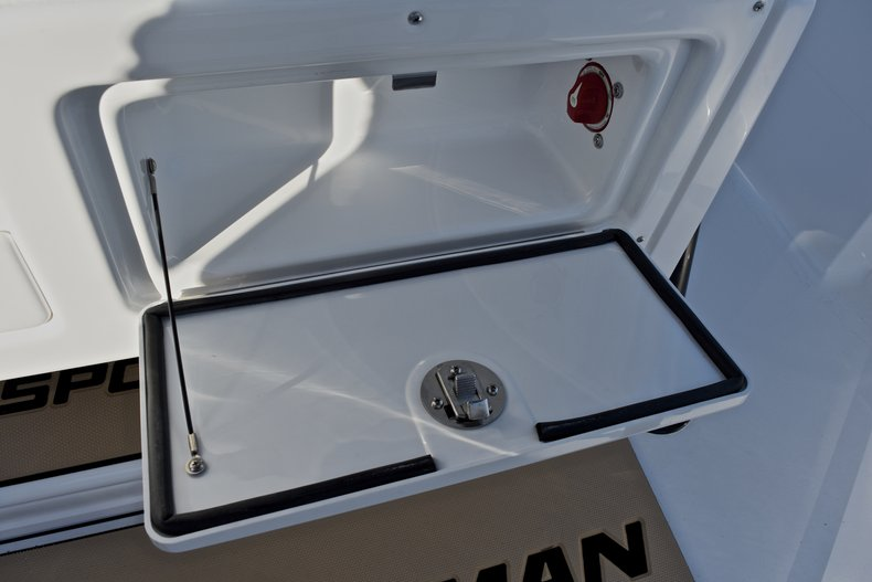 Thumbnail 34 for New 2018 Sportsman Heritage 231 Center Console boat for sale in West Palm Beach, FL