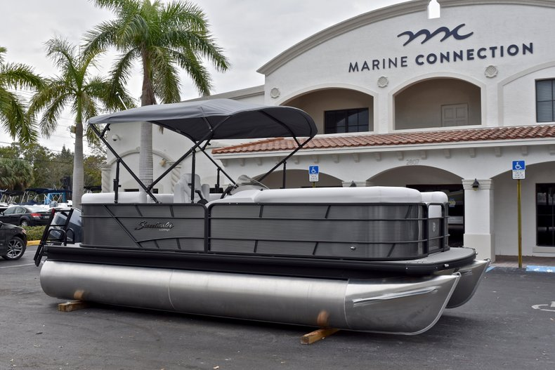 Thumbnail 1 for New 2018 Sweetwater 2186 Split Bench boat for sale in Vero Beach, FL