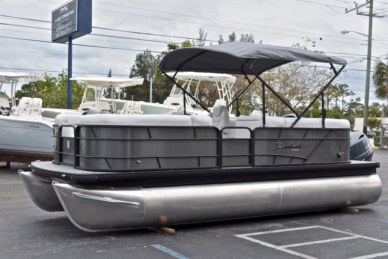 Thumbnail 3 for New 2018 Sweetwater 2186 Split Bench boat for sale in West Palm Beach, FL