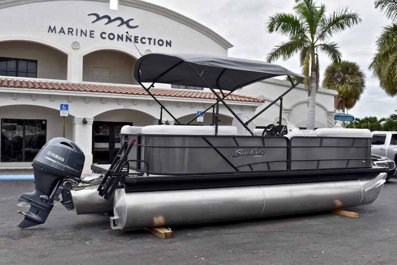 Thumbnail 7 for New 2018 Sweetwater 2186 Split Bench boat for sale in West Palm Beach, FL