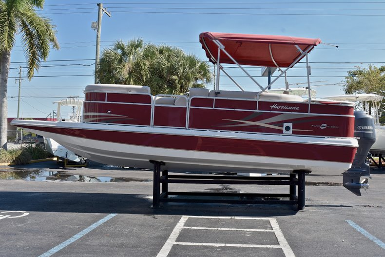 Thumbnail 4 for Used 2015 Hurricane FunDeck FD 236 OB boat for sale in West Palm Beach, FL