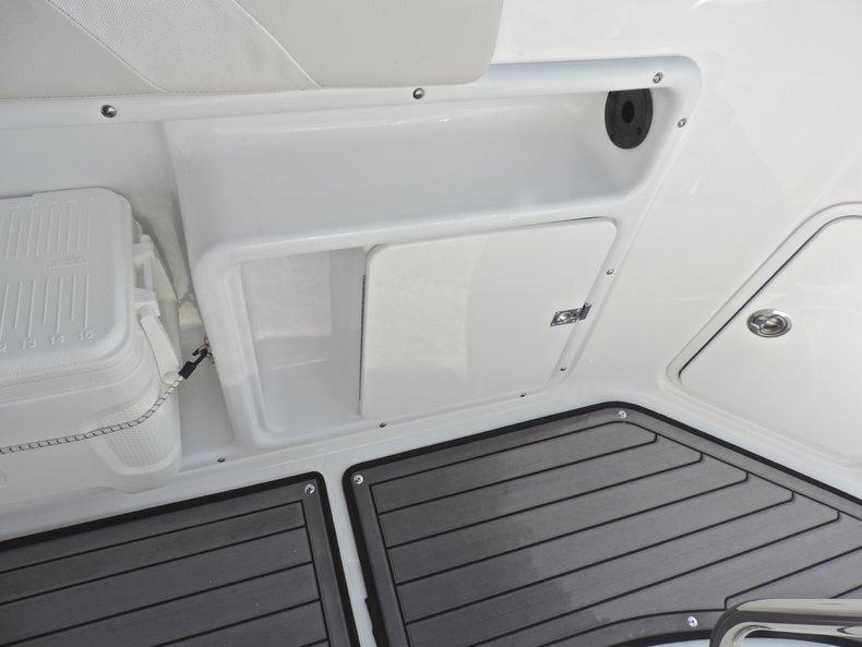 Thumbnail 17 for New 2018 Hurricane 231 SunDeck Sport OB boat for sale in Vero Beach, FL