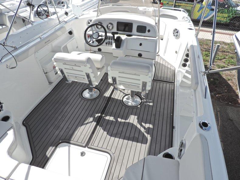Thumbnail 7 for New 2018 Hurricane 231 SunDeck Sport OB boat for sale in West Palm Beach, FL