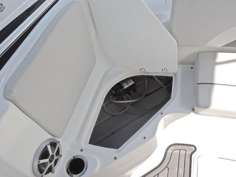 Thumbnail 10 for New 2018 Hurricane 231 SunDeck Sport OB boat for sale in Vero Beach, FL