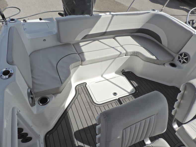 Thumbnail 8 for New 2018 Hurricane 231 SunDeck Sport OB boat for sale in West Palm Beach, FL