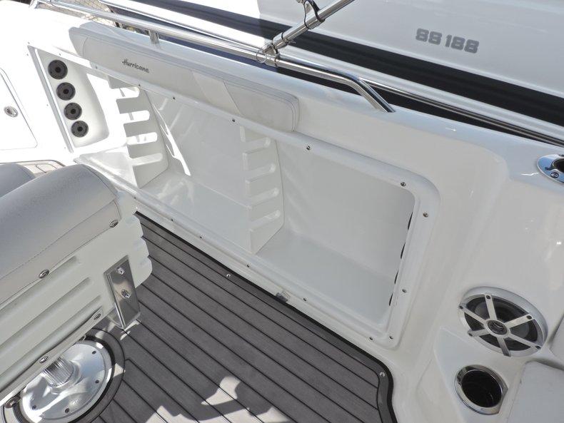 Thumbnail 21 for New 2018 Hurricane 231 SunDeck Sport OB boat for sale in Vero Beach, FL