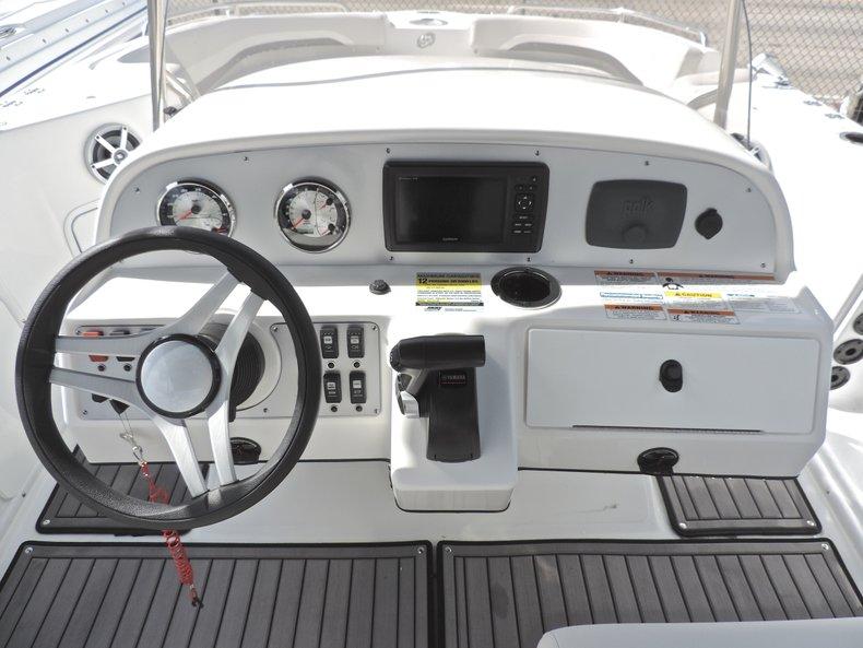 Thumbnail 27 for New 2018 Hurricane 231 SunDeck Sport OB boat for sale in West Palm Beach, FL