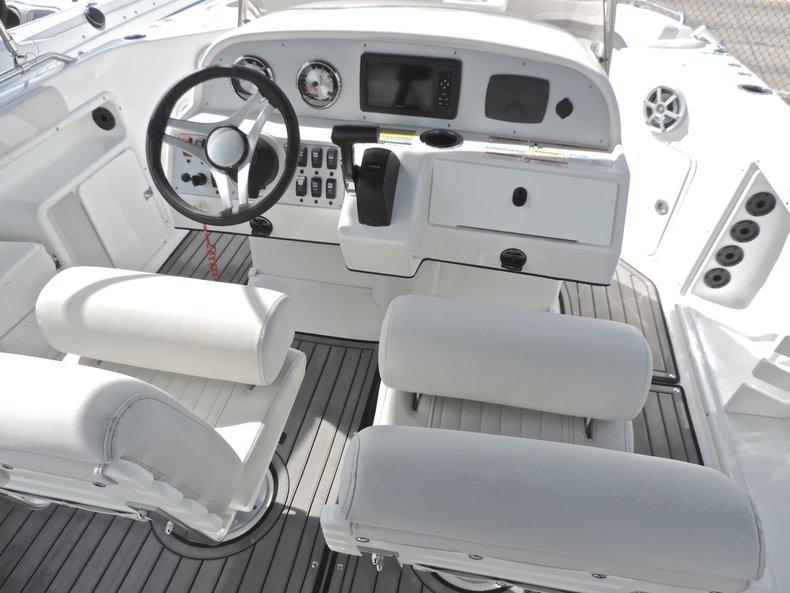Thumbnail 26 for New 2018 Hurricane 231 SunDeck Sport OB boat for sale in Vero Beach, FL