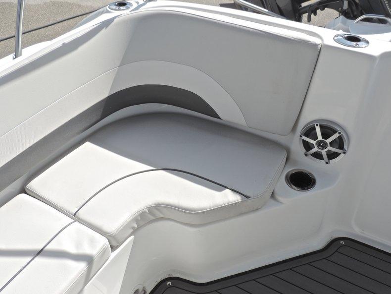 Thumbnail 13 for New 2018 Hurricane 231 SunDeck Sport OB boat for sale in West Palm Beach, FL
