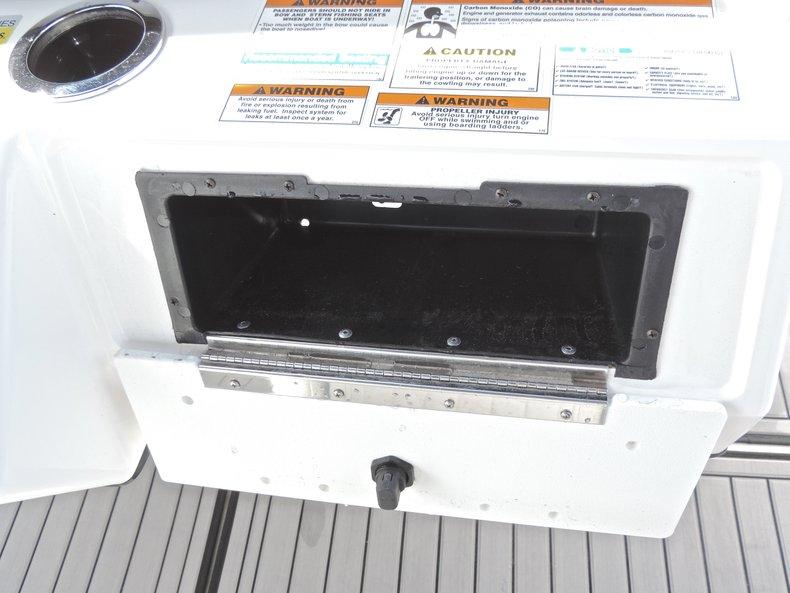 Thumbnail 36 for New 2018 Hurricane 231 SunDeck Sport OB boat for sale in West Palm Beach, FL