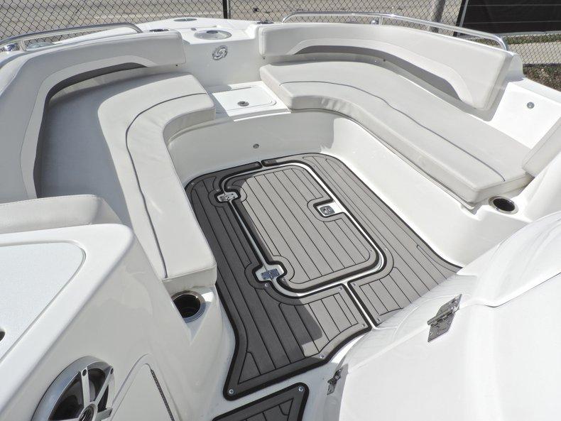 Thumbnail 37 for New 2018 Hurricane 231 SunDeck Sport OB boat for sale in West Palm Beach, FL