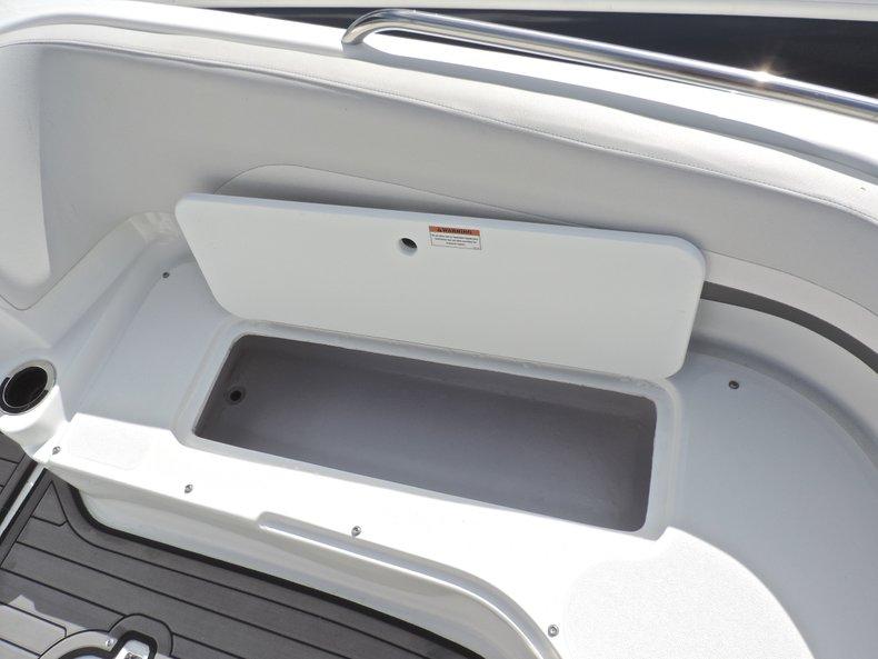 Thumbnail 41 for New 2018 Hurricane 231 SunDeck Sport OB boat for sale in West Palm Beach, FL