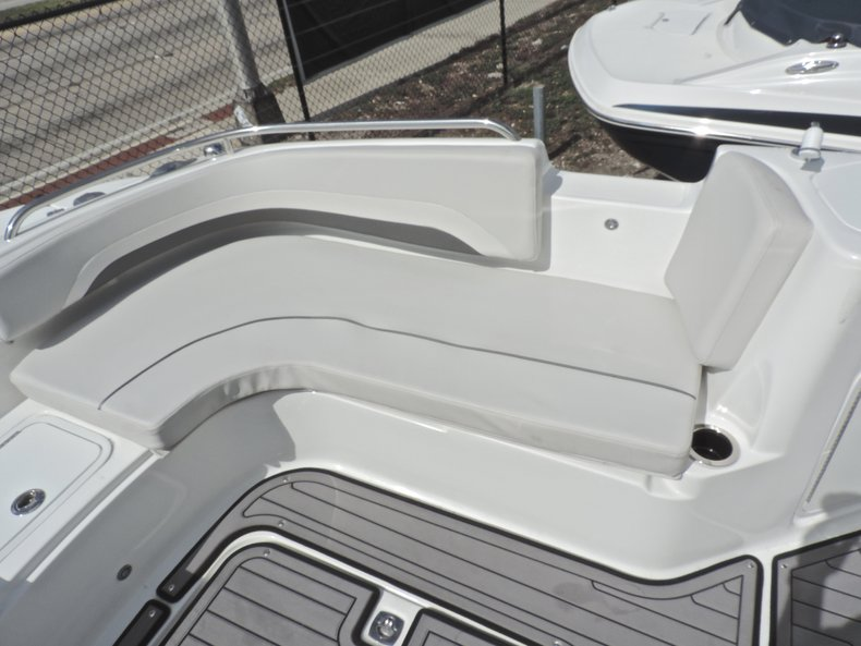 Thumbnail 42 for New 2018 Hurricane 231 SunDeck Sport OB boat for sale in West Palm Beach, FL