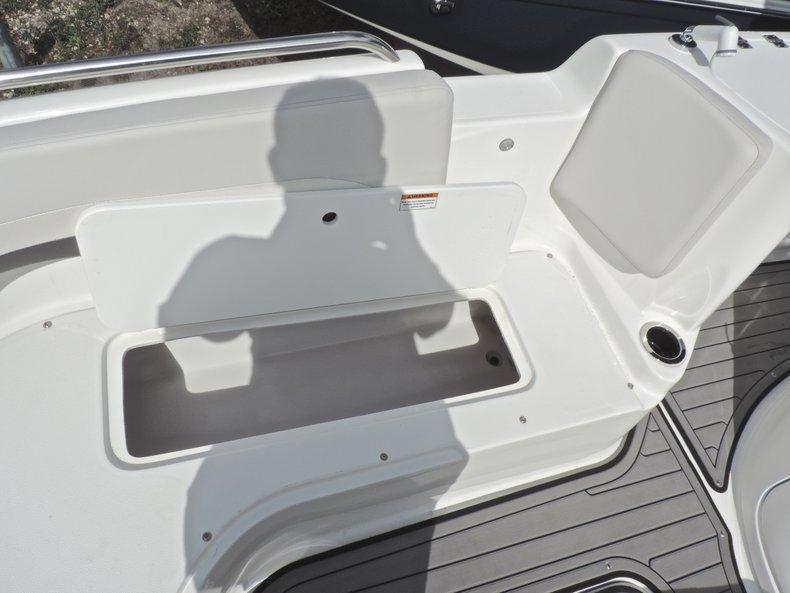 Thumbnail 43 for New 2018 Hurricane 231 SunDeck Sport OB boat for sale in Vero Beach, FL