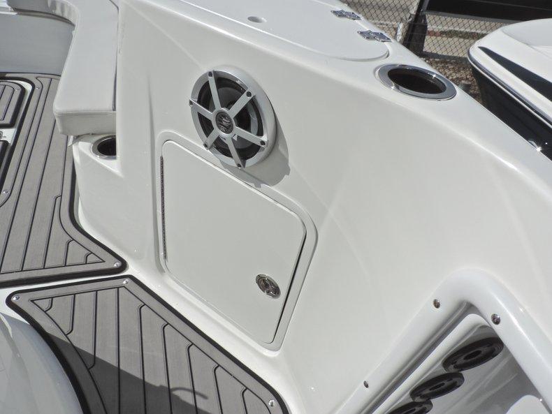 Thumbnail 24 for New 2018 Hurricane 231 SunDeck Sport OB boat for sale in West Palm Beach, FL