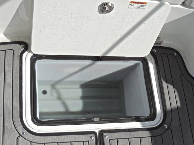 Thumbnail 45 for New 2018 Hurricane 231 SunDeck Sport OB boat for sale in West Palm Beach, FL