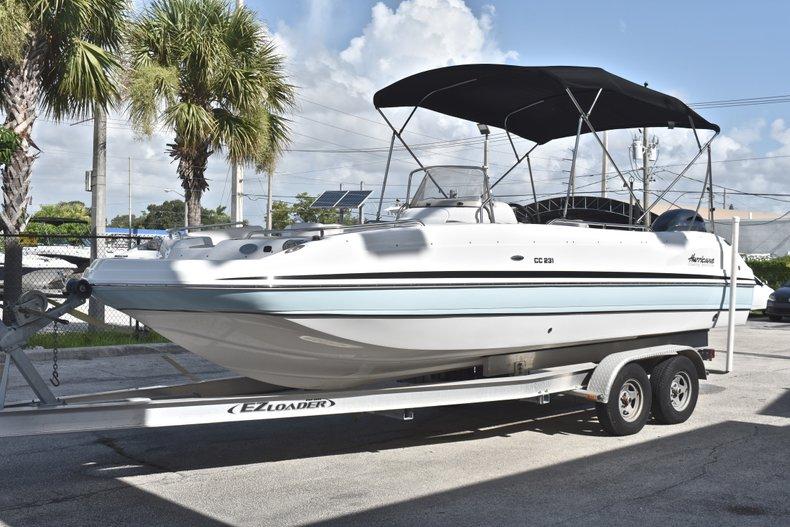 Thumbnail 3 for New 2018 Hurricane 231 SunDeck Sport OB boat for sale in West Palm Beach, FL