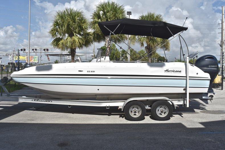 Thumbnail 4 for New 2018 Hurricane 231 SunDeck Sport OB boat for sale in West Palm Beach, FL