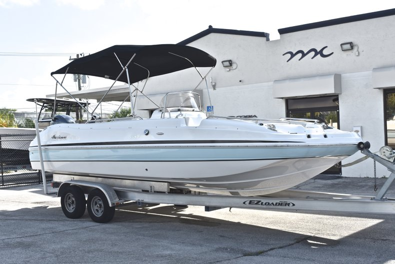 Thumbnail 1 for New 2018 Hurricane 231 SunDeck Sport OB boat for sale in Vero Beach, FL