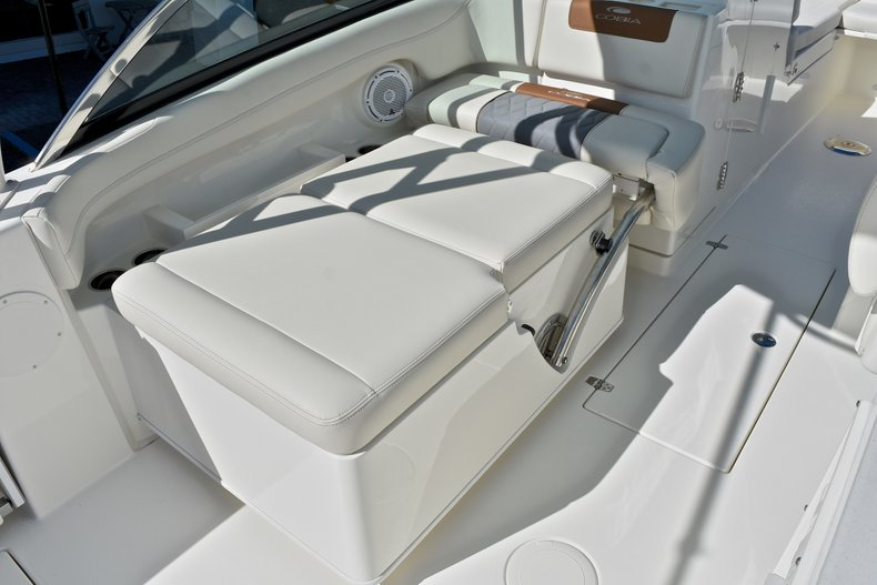 Thumbnail 22 for New 2018 Cobia 280 DC Dual Console boat for sale in Vero Beach, FL