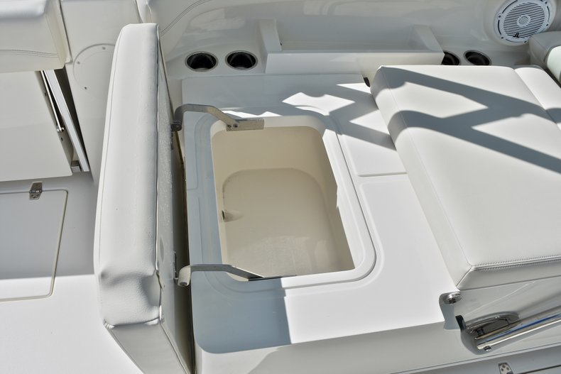 Thumbnail 24 for New 2018 Cobia 280 DC Dual Console boat for sale in Vero Beach, FL