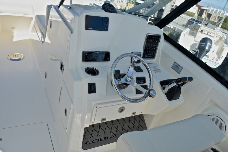 Thumbnail 38 for New 2018 Cobia 280 DC Dual Console boat for sale in Vero Beach, FL