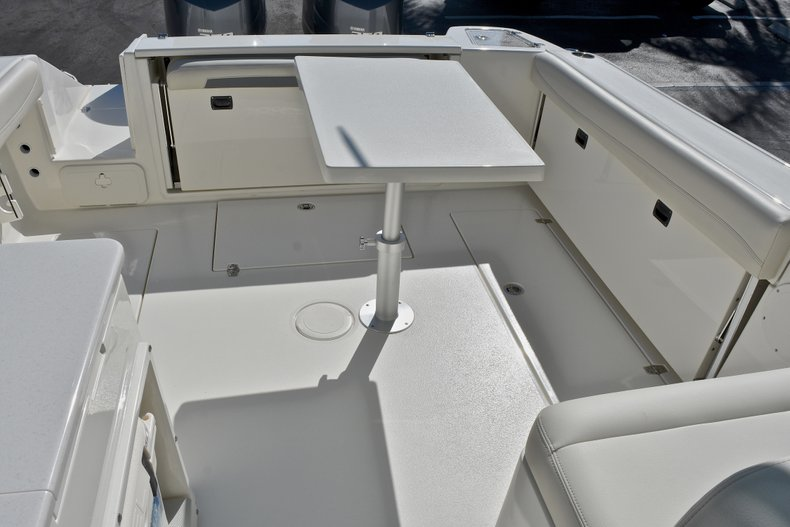Thumbnail 13 for New 2018 Cobia 280 DC Dual Console boat for sale in Vero Beach, FL