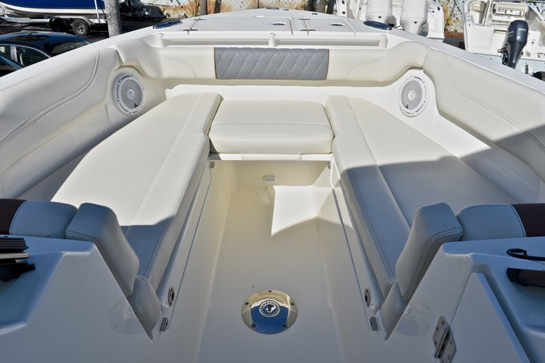 Thumbnail 54 for New 2018 Cobia 280 DC Dual Console boat for sale in Vero Beach, FL