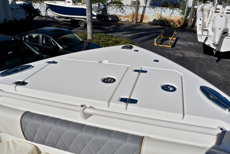 Thumbnail 59 for New 2018 Cobia 280 DC Dual Console boat for sale in Vero Beach, FL