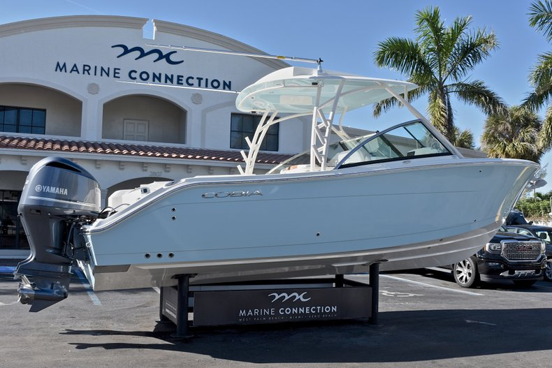 Thumbnail 6 for New 2018 Cobia 280 DC Dual Console boat for sale in Vero Beach, FL
