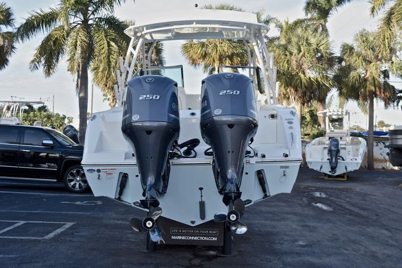 Thumbnail 6 for New 2018 Cobia 280 DC Dual Console boat for sale in West Palm Beach, FL