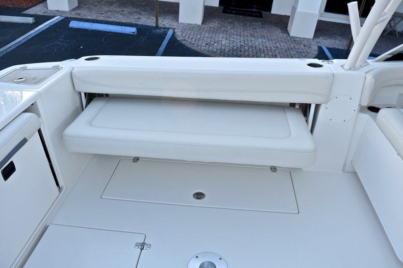 Thumbnail 21 for New 2018 Cobia 280 DC Dual Console boat for sale in West Palm Beach, FL