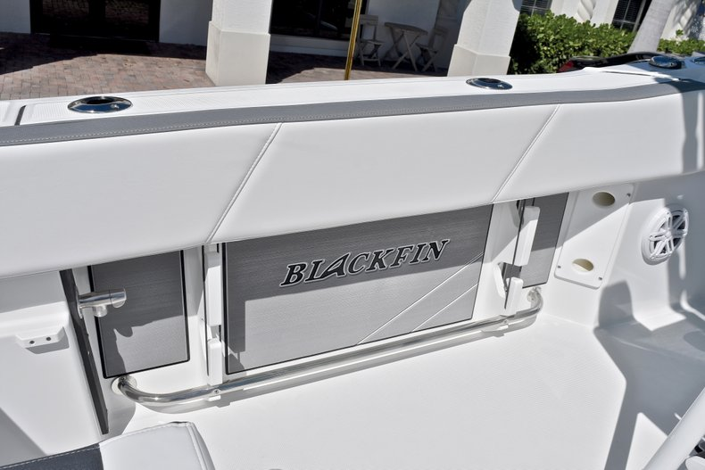 Thumbnail 26 for New 2018 Blackfin 212CC Center Console boat for sale in West Palm Beach, FL