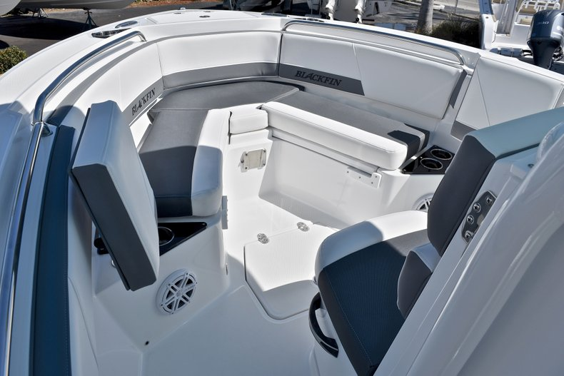 Thumbnail 46 for New 2018 Blackfin 212CC Center Console boat for sale in West Palm Beach, FL