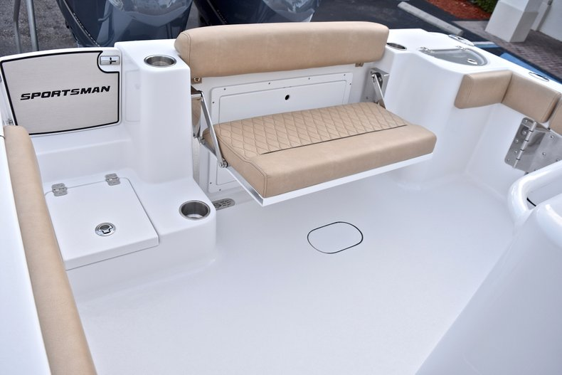 Thumbnail 11 for New 2018 Sportsman Open 282 TE Center Console boat for sale in West Palm Beach, FL