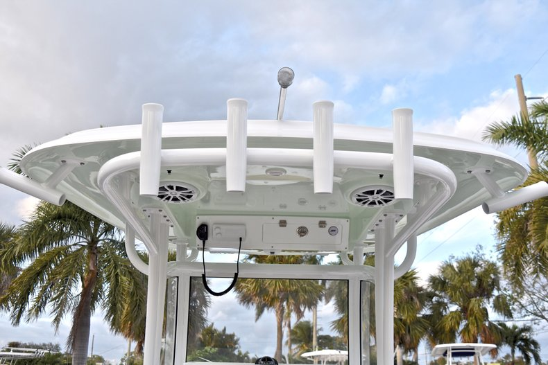 Thumbnail 34 for New 2018 Sportsman Open 282 TE Center Console boat for sale in West Palm Beach, FL