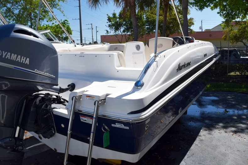 Thumbnail 2 for New 2018 Hurricane 188 SunDeck Sport OB boat for sale in West Palm Beach, FL
