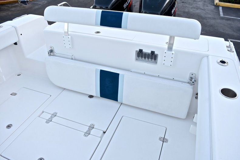 Thumbnail 9 for Used 2005 Bluewater 2850 CC Center Console boat for sale in West Palm Beach, FL