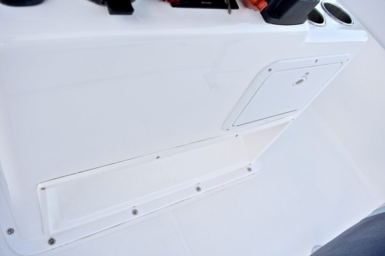 Thumbnail 37 for Used 2005 Bluewater 2850 CC Center Console boat for sale in West Palm Beach, FL
