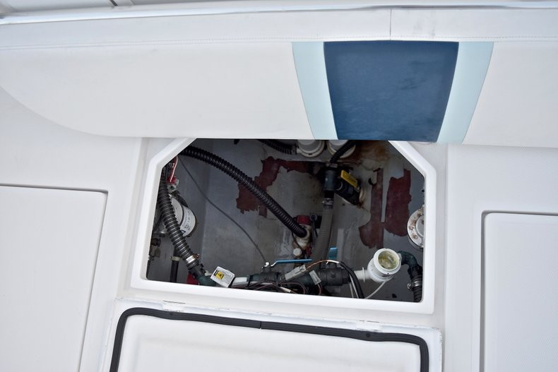 Thumbnail 17 for Used 2005 Bluewater 2850 CC Center Console boat for sale in West Palm Beach, FL