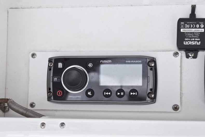 Thumbnail 41 for Used 2005 Bluewater 2850 CC Center Console boat for sale in West Palm Beach, FL