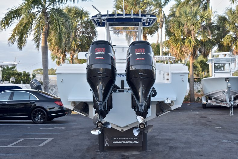 Thumbnail 6 for Used 2005 Bluewater 2850 CC Center Console boat for sale in West Palm Beach, FL