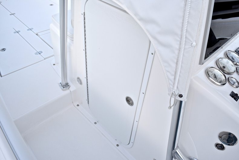 Thumbnail 44 for Used 2005 Bluewater 2850 CC Center Console boat for sale in West Palm Beach, FL