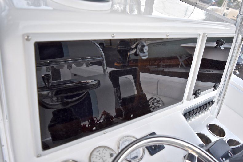 Thumbnail 29 for Used 2005 Bluewater 2850 CC Center Console boat for sale in West Palm Beach, FL