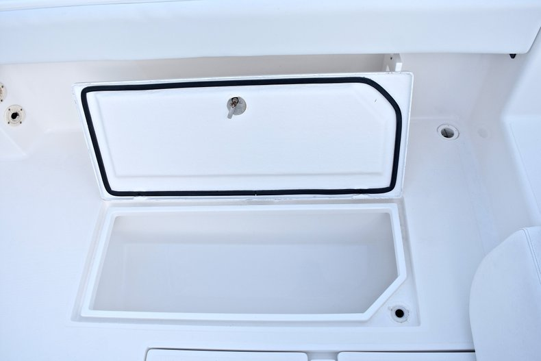 Thumbnail 23 for Used 2005 Bluewater 2850 CC Center Console boat for sale in West Palm Beach, FL